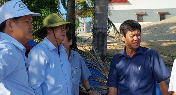 Phú Yên kiểm tra toàn diện dự án bít lối, dân leo tường ra biển - Ảnh 2.