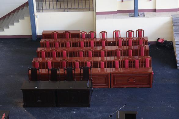 Phòng xử chứa 2.000 người cho phiên tòa 2 cựu tướng công an - Ảnh 9.