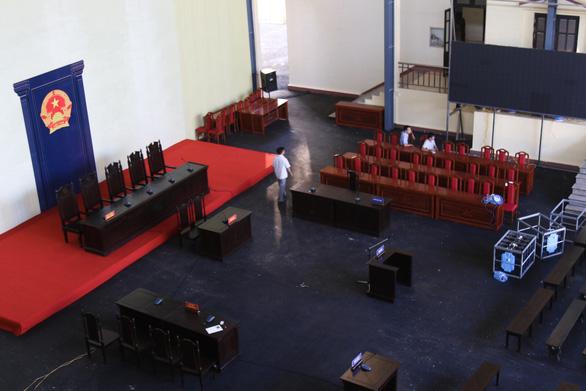 Phòng xử chứa 2.000 người cho phiên tòa 2 cựu tướng công an - Ảnh 7.
