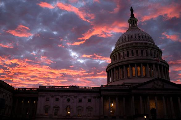 Bầu cử giữa kỳ ở Mỹ: những khoảnh khắc ấn tượng - Ảnh 9.