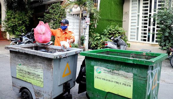 Phân loại rác: phạt cao đã đủ? - Ảnh 1.