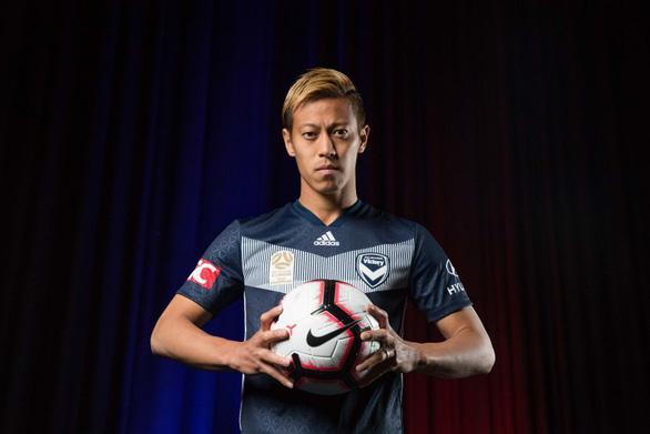 HLV Honda chỉ đạo Campuchia đấu Malaysia từ Úc - Ảnh 1.