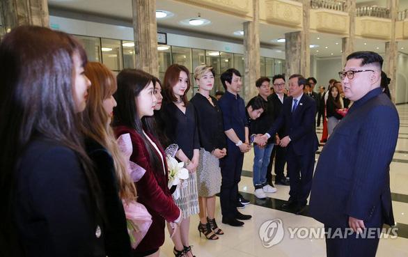 Chính trị gia Hàn Quốc muốn 'bảo bối' BTS tới Triều Tiên - Ảnh 3.