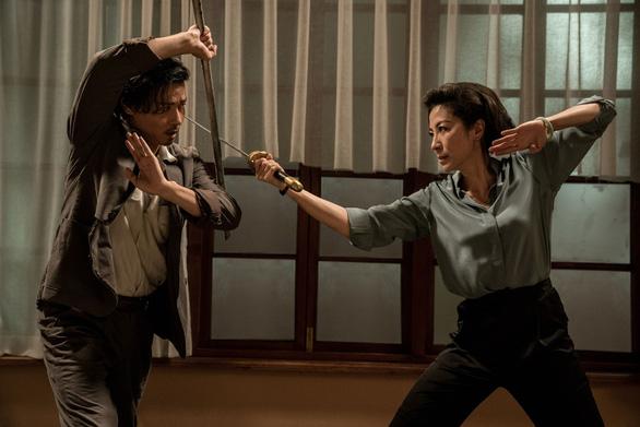 Dương Tử Quỳnh thích thú với tạo hình trong Diệp Vấn ngoại truyện - Ảnh 5.