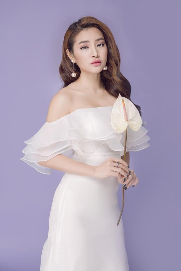 Phương Trinh Jolie tung MV Anh là tâm sự của em - Ảnh 1.