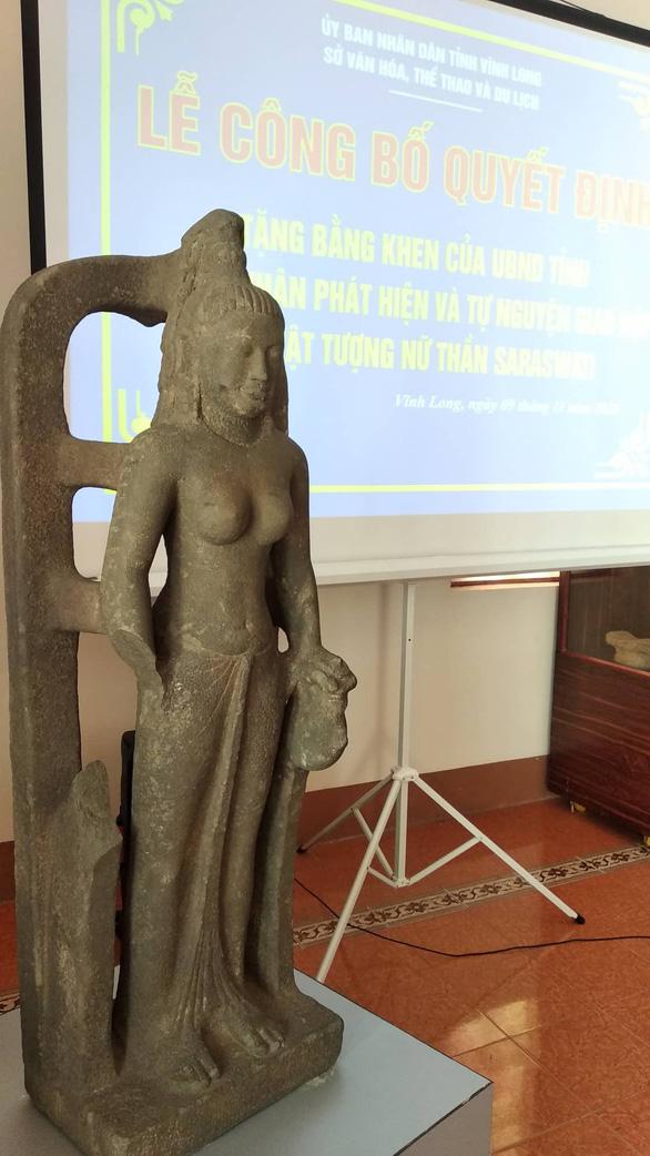 Nhà sư giao nộp tượng nữ thần cổ 7,5 tỉ, được thưởng 75 triệu - Ảnh 2.