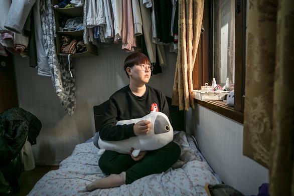 Những phụ nữ Hàn Quốc không còn muốn đẹp khắc nghiệt - Ảnh 1.