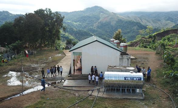 Sẻ chia nước sạch đến với học sinh Sơn La - Ảnh 3.