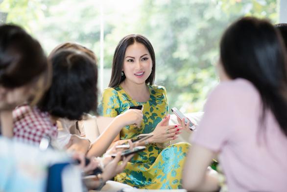 Trăn trở của nghệ sĩ Việt ở Mỹ qua sách của Hà Phương - Ảnh 4.