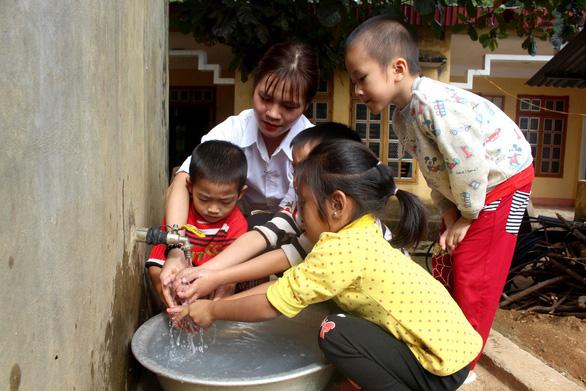 Sẻ chia nước sạch đến với học sinh Sơn La - Ảnh 5.