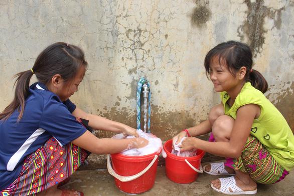 Sẻ chia nước sạch đến với học sinh Sơn La - Ảnh 7.