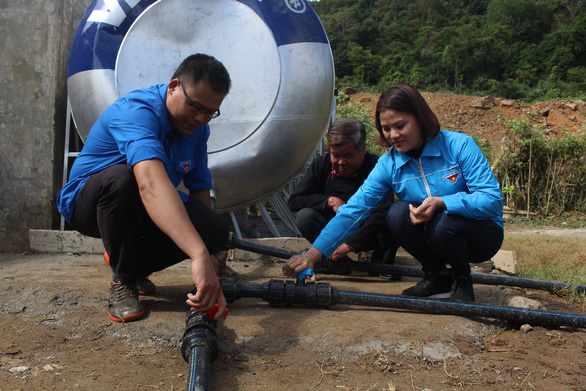 Sẻ chia nước sạch đến với học sinh Sơn La - Ảnh 4.