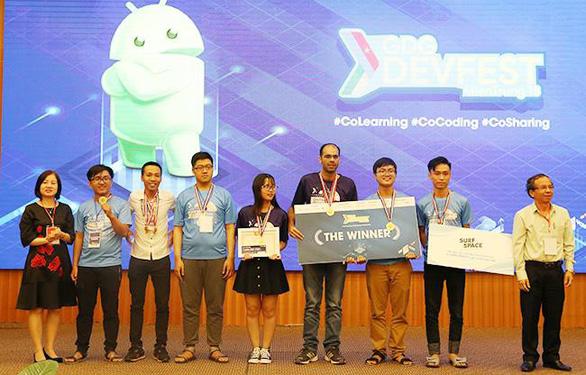 Sinh viên Duy Tân vô địch cuộc thi GDG Devfest 2018 - Ảnh 1.