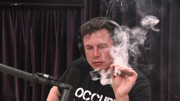 Tỉ phú ngông Elon Musk thách thức: Tôi muốn nói gì mặc tôi - Ảnh 2.
