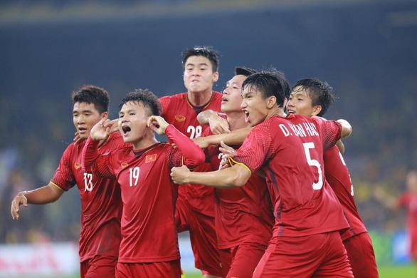 The Star: Bàn thắng Huy Hùng, Đức Huy như nhấn chìm trái tim thủ tướng Malaysia - Ảnh 1.