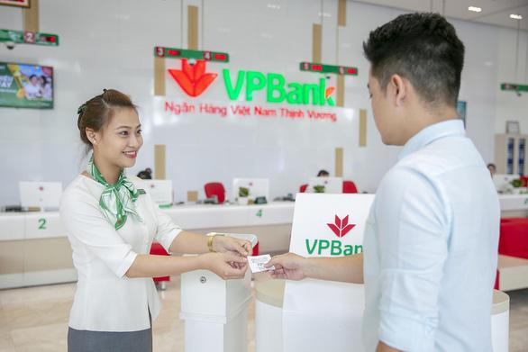 VPBANK lọt Top 10 doanh nghiệp tư nhân lớn nhất Việt Nam - Ảnh 1.