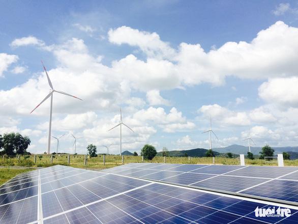 Đầu tư điện mặt trời trên mái nhà lợi ra sao? - Ảnh 1.