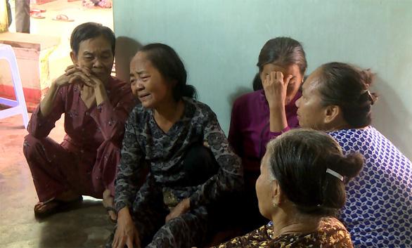 Tiếc thương dân quân trẻ thiệt mạng khi cứu cầu trong lũ ở Bình Định - Ảnh 2.