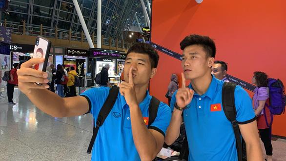 HLV Park Hang Seo và tuyển Việt Nam lạc quan ngày về - Ảnh 3.