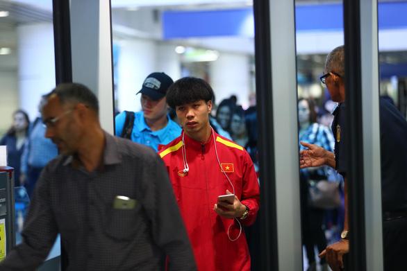 HLV Park Hang Seo và tuyển Việt Nam lạc quan ngày về - Ảnh 4.