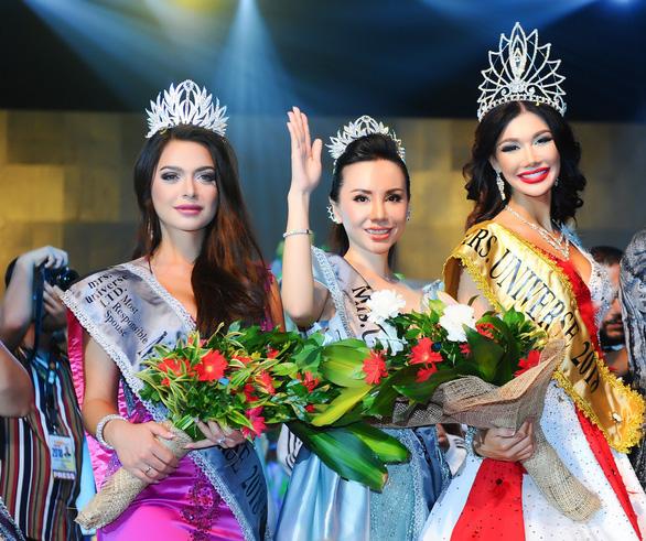 Châu Ngọc Bích đăng quang Hoa hậu quý bà hoàn vũ thế giới 2018 - Ảnh 1.