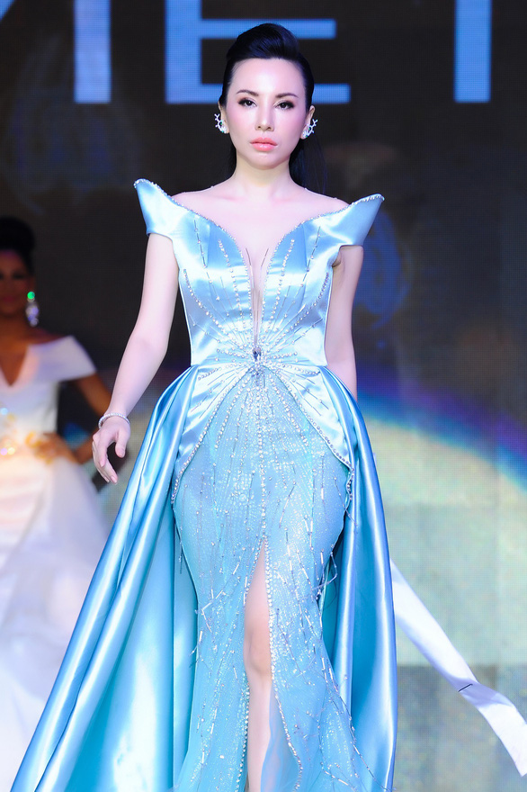 Châu Ngọc Bích đăng quang Hoa hậu quý bà hoàn vũ thế giới 2018 - Ảnh 3.