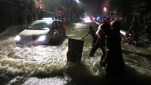 Chống ngập đô thị: Cần xây dựng không gian cho sông - Ảnh 1.