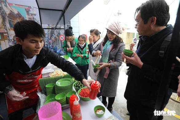 Ngày của phở tại Hà Nội: Phở chính là hộ chiếu của ẩm thực Việt Nam - Ảnh 3.