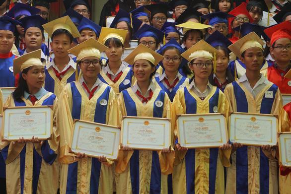 TP.HCM hoãn kỳ thi học sinh giỏi cấp thành phố - Ảnh 1.