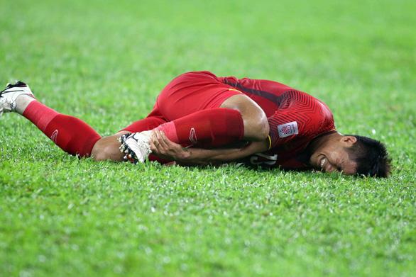 Phớt lờ việc đội nhà đá xấu, HLV Malaysia chụp mũ cầu thủ Việt Nam - Ảnh 1.