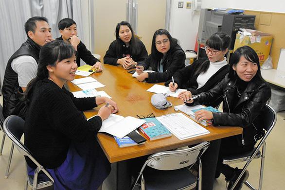 Nhật tổ chức thi tiếng Nhật với lao động nước ngoài từ 8 nước - Ảnh 1.