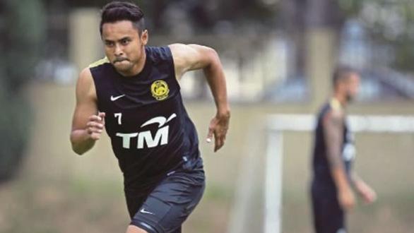 Sau HLV, đến lượt cầu thủ Malaysia đổ thừa tuyển Việt Nam chơi quá rắn - Ảnh 1.