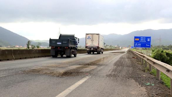 Để quốc lộ 1 hỏng nặng kéo dài là thiếu trách nhiệm, vô cảm - Ảnh 4.