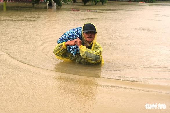 Lũ Quảng Nam khiến 4 người chết, thiệt hại hơn 120 tỉ đồng - Ảnh 1.
