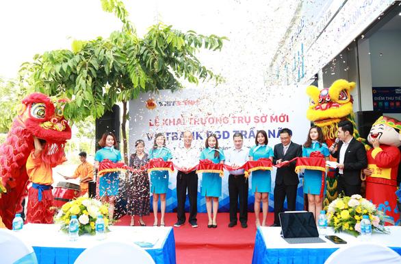 Vietbank Trần Não khai trương trụ sở mới - Ảnh 1.