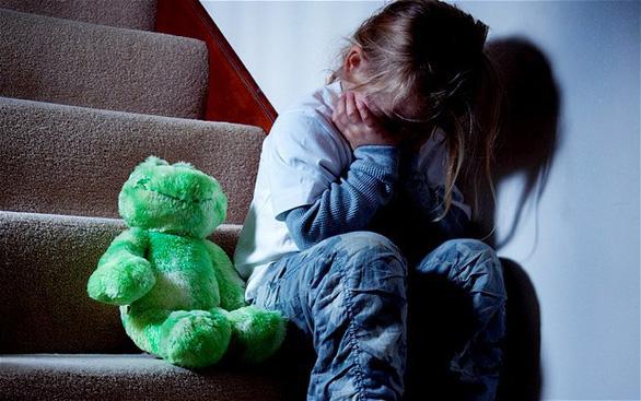 Đánh, tát vào mặt trẻ, nỗi đau không thể lành - Ảnh 1.
