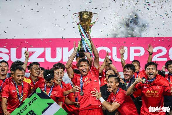 Việt Nam vô địch Asian Cup: 1 ăn 325  - Ảnh 1.