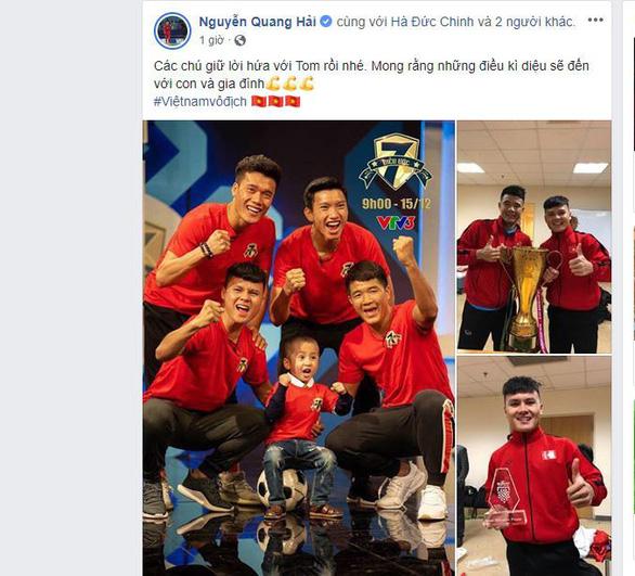 Các tuyển thủ VN viết gì trên Facebook sau khi vô địch AFF Cup? - Ảnh 1.