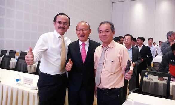 HLV Park Hang Seo hội ngộ bầu Đức và bầu Thắng tại Quảng Nam - Ảnh 2.