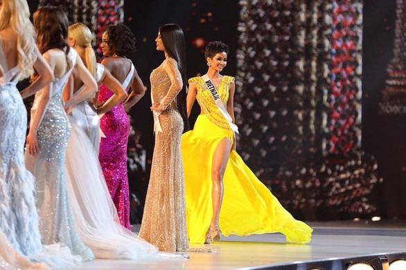 Miss Universe 2017 háo hức trao vương miện cho người kế nhiệm - Ảnh 7.