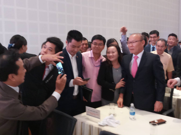 HLV Park Hang Seo hội ngộ bầu Đức và bầu Thắng tại Quảng Nam - Ảnh 7.