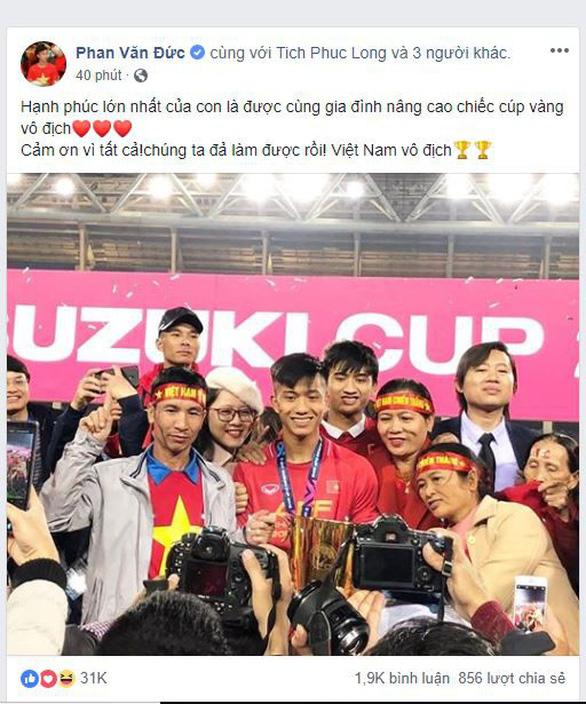 Các tuyển thủ VN viết gì trên Facebook sau khi vô địch AFF Cup? - Ảnh 3.