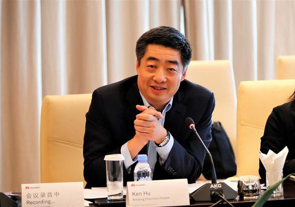 Huawei tính thu 100 tỉ USD dù bị phương Tây tẩy chay - Ảnh 1.