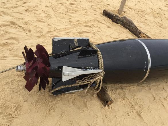 Phát hiện vật thể giống ngư lôi dạt vào bờ biển Phú Yên - Ảnh 5.