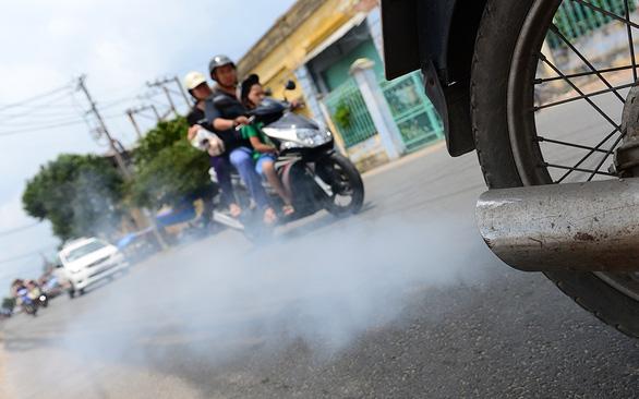 Tranh cãi thu phí khí thải: Theo xu hướng nhưng có đúng thời điểm? - Ảnh 1.