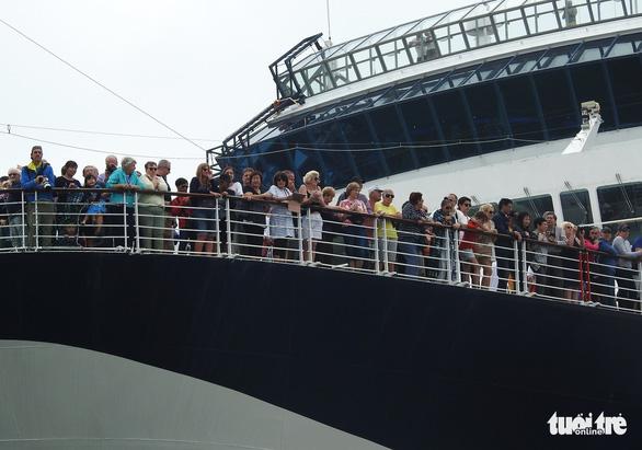 Cảng tàu khách quốc tế Hạ Long đón khách quốc tế thứ 15 triệu đến Việt Nam - Ảnh 2.