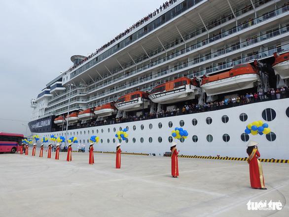 Cảng tàu khách quốc tế Hạ Long đón khách quốc tế thứ 15 triệu đến Việt Nam - Ảnh 3.