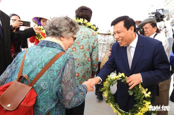 Cảng tàu khách quốc tế Hạ Long đón khách quốc tế thứ 15 triệu đến Việt Nam - Ảnh 4.