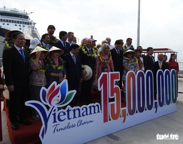 Cảng tàu khách quốc tế Hạ Long đón khách quốc tế thứ 15 triệu đến Việt Nam - Ảnh 6.
