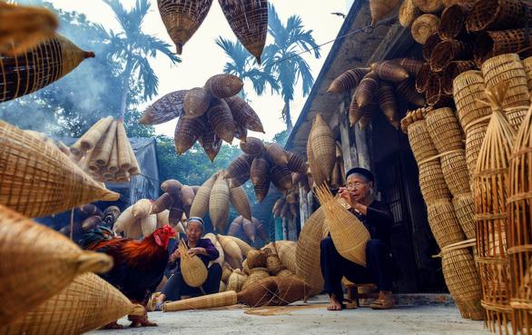 Thăm làng nghề đan đó 200 tuổi ở Hưng Yên - Ảnh 1.